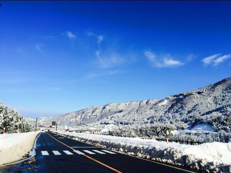 雪が積もる冬