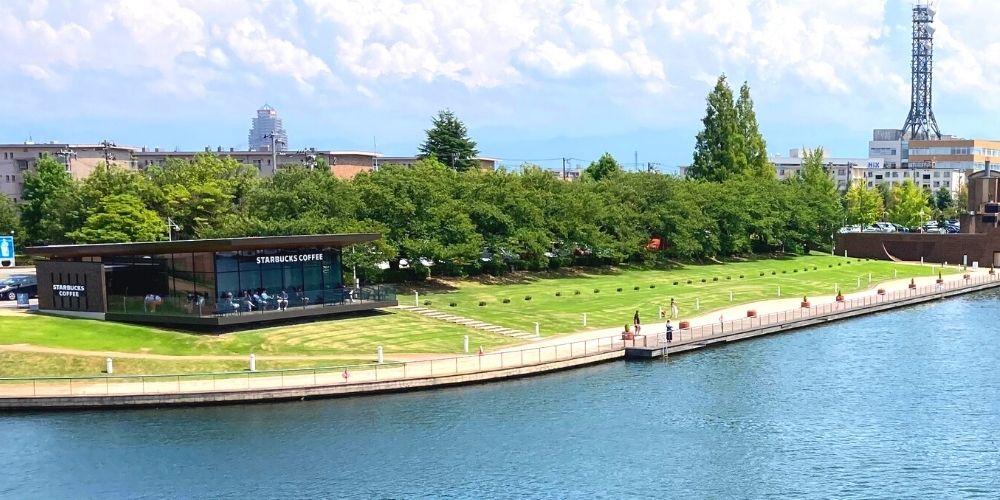 環水公園のスタバ
