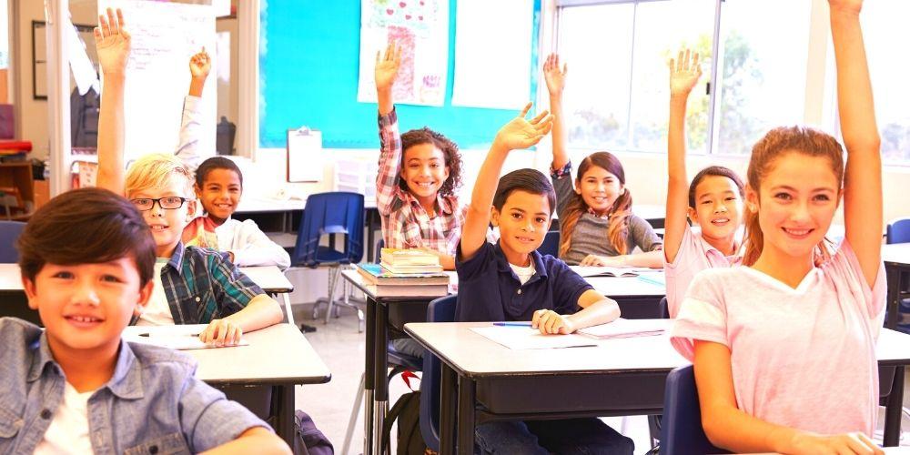 教室のクラスメート